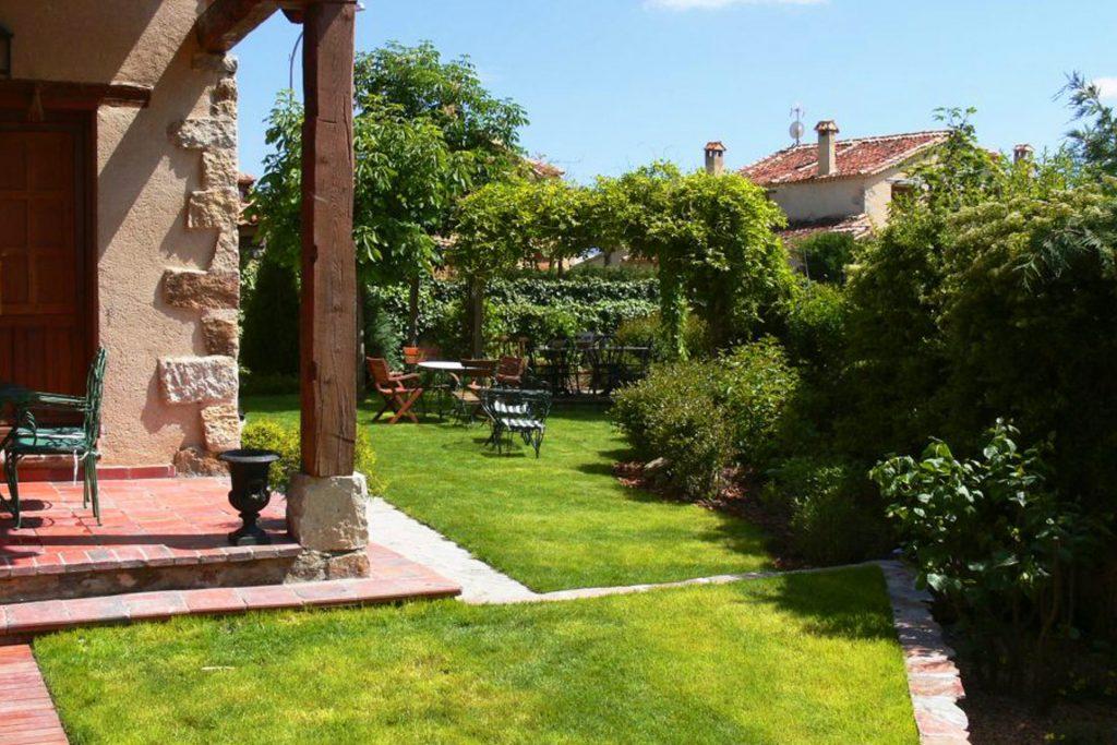 Jardín silvestre en Tres Casas (Segovia)